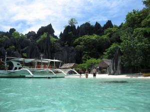 coron palawan beach boat