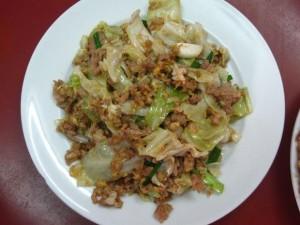 thai cabbage, egg, and pork