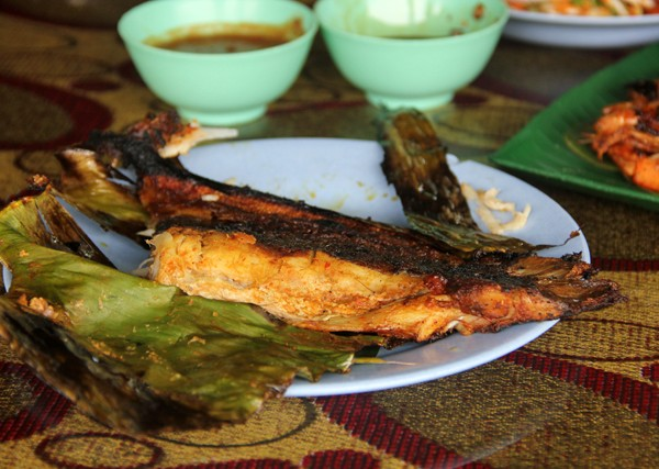 Ikan Pari Bakar - Grilled Stingray