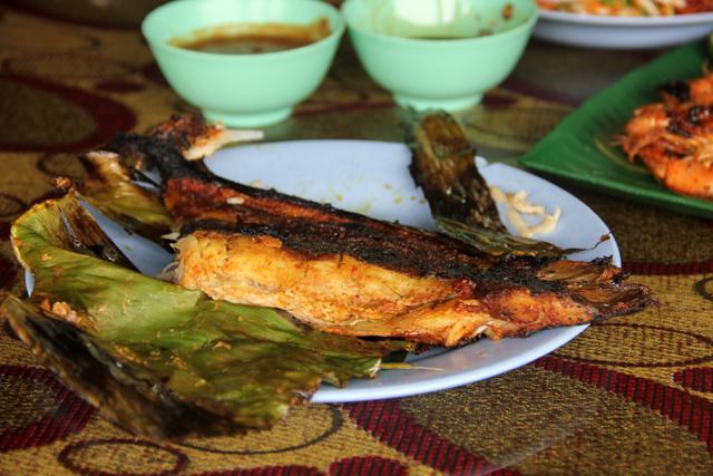 Ikan Bakar - Malaysian Grilled Seafood Worthy of a Pilgrimage